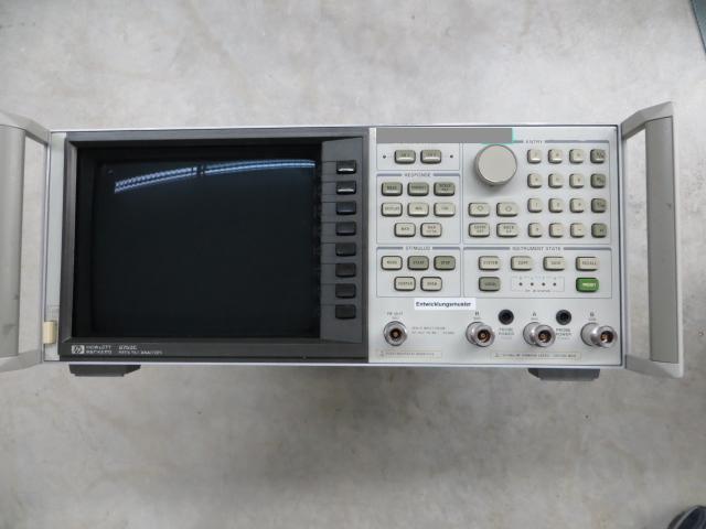 Hewlett Packard / Agilent 8753 B
